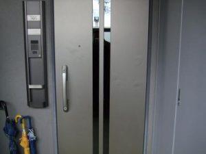 玄関ドア補修工事