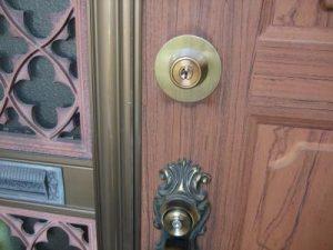 玄関カギ取り換え工事
