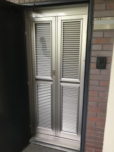玄関網戸リフォーム